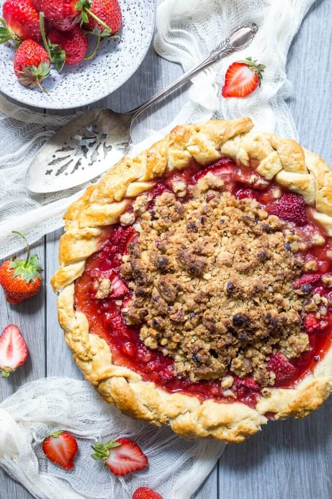 Pie for Pi Day! This Pi Day, celebrate with round eats! - from champagne-tastes.com
