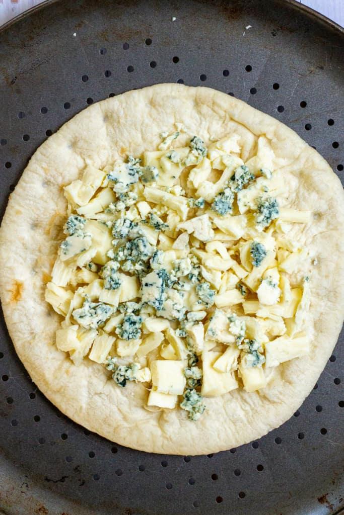 Add Mozzarella + Gorgonzola To Pizza