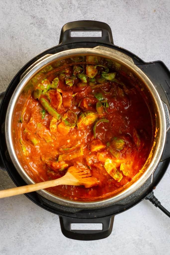Stir Vegetables Into Sauce