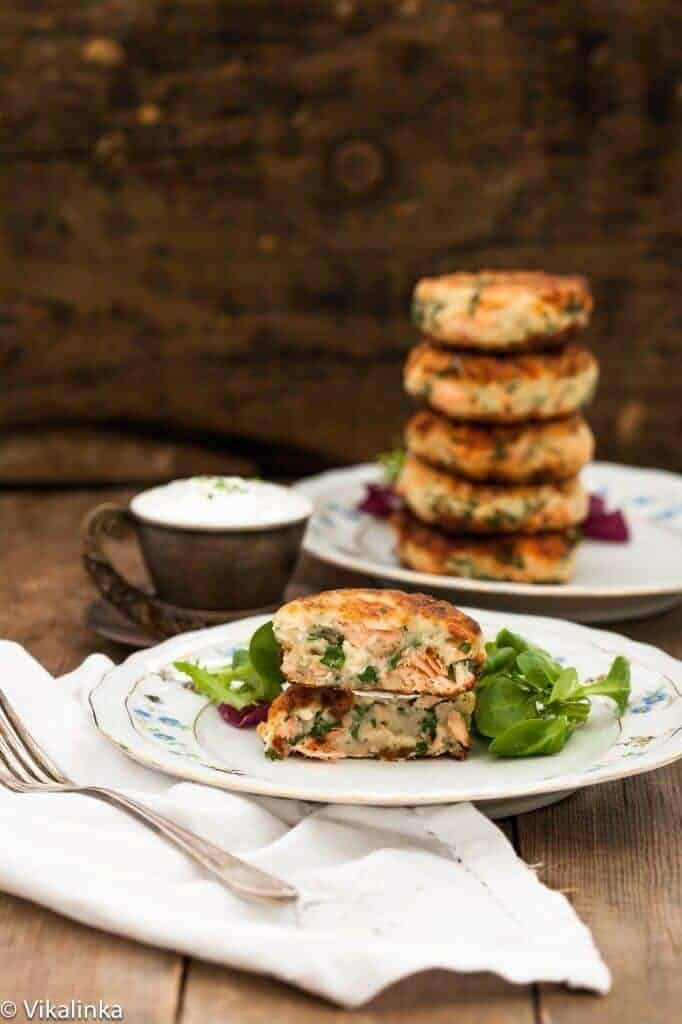 Salmon Cakes with Chive + Garlic - from Vikalinka