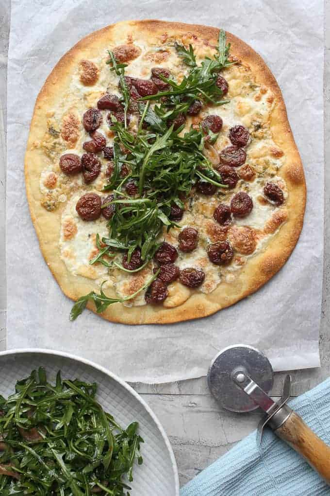 Arugula pizza ready to serve