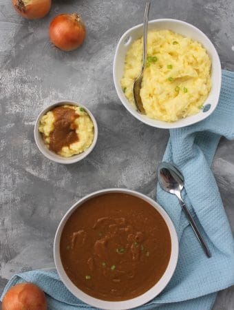 Vegan Gravy with Caramelized Onions