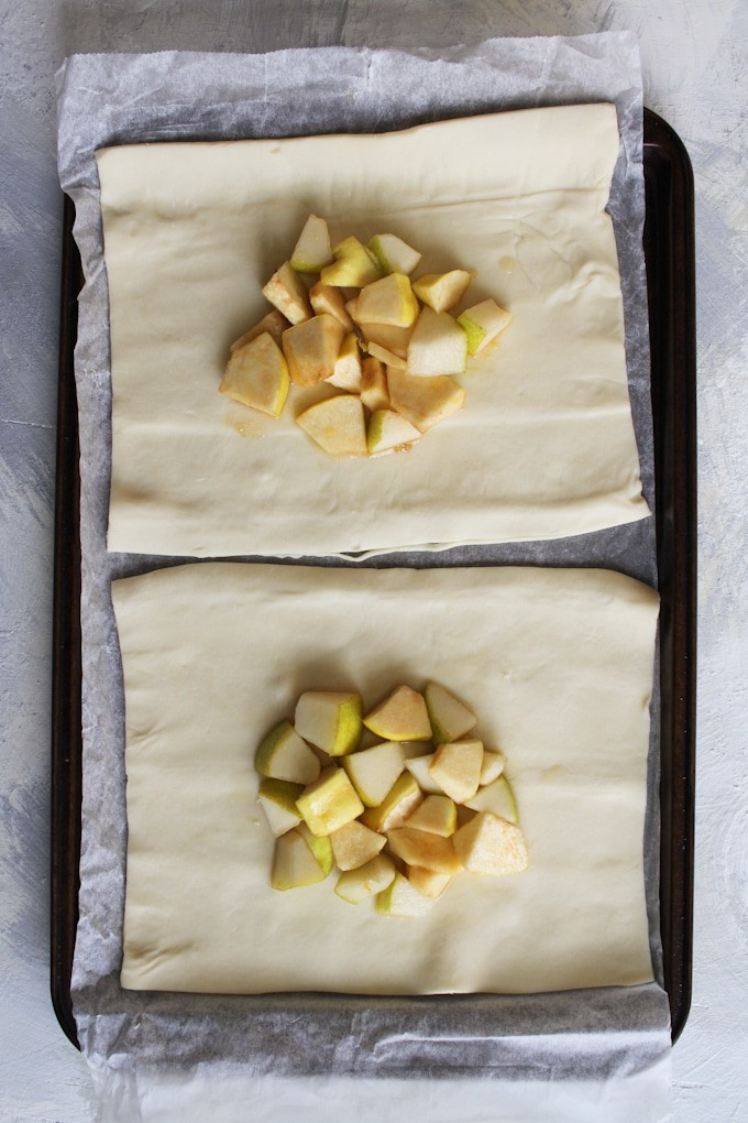 Add the diced pears and optional quince