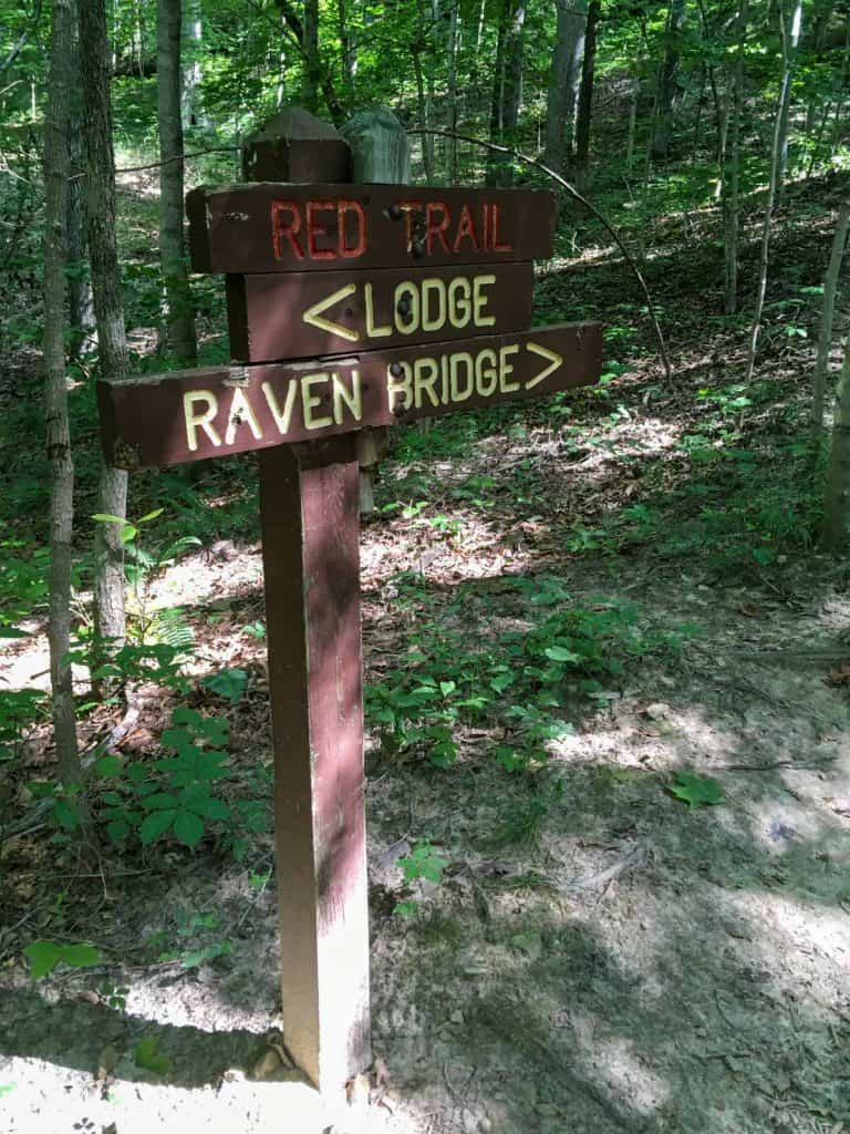 trail marker to raven bridge