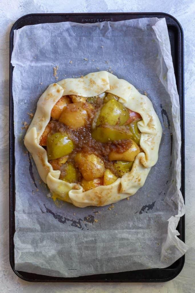 Smooth Pie Dough Around Apples