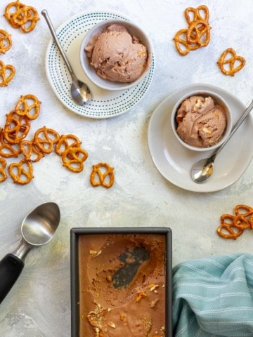 Beer ice cream (stout pretzel) in serving bowls