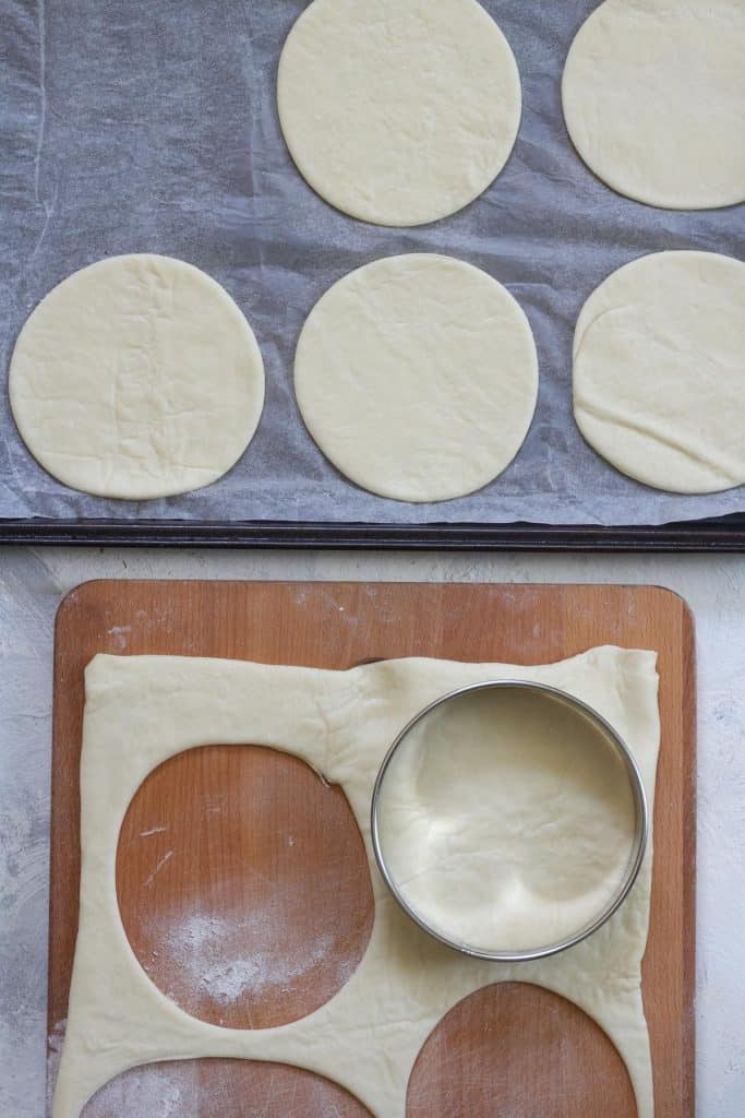 Lay the cut circles on parchment paper