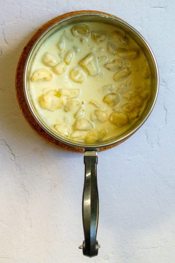 Simmer Garlic with Cream
