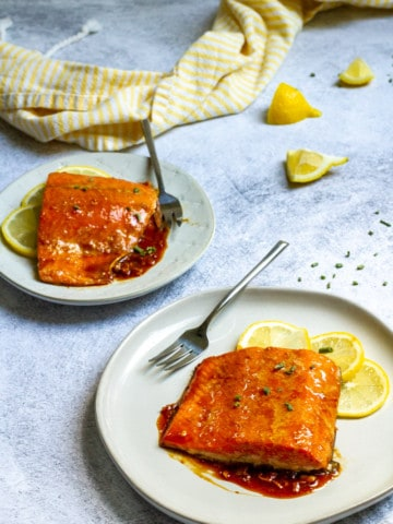 teriyaki glaze salmon on plates
