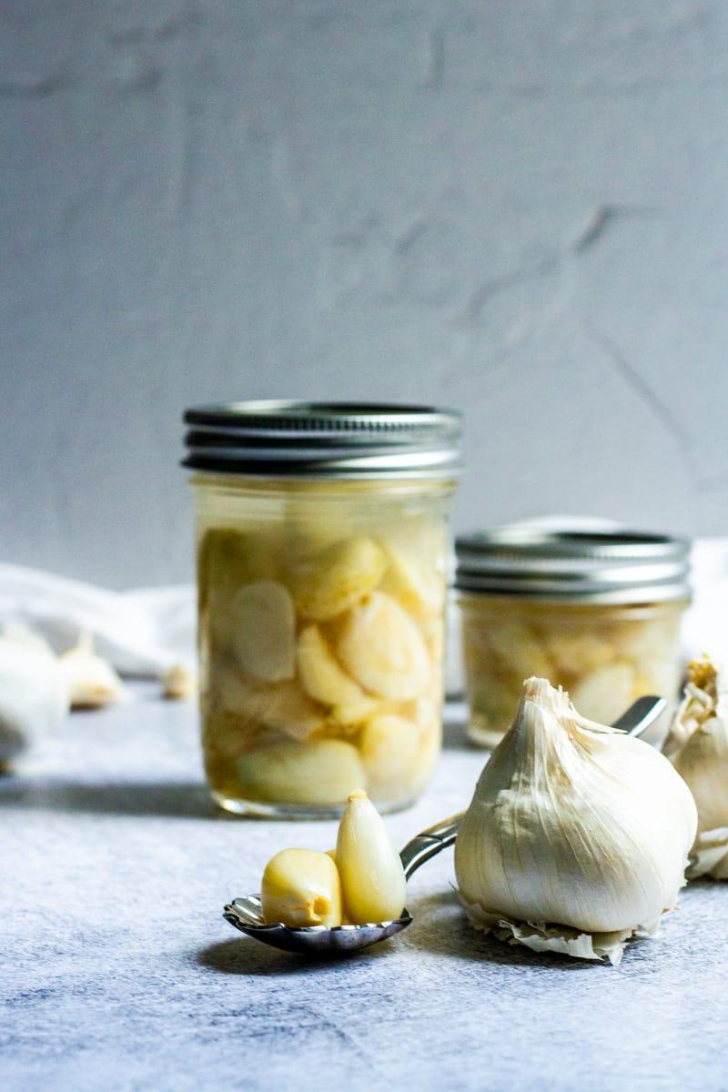 lacto fermented garlic in jars