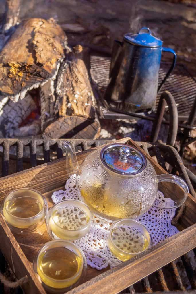 Brewing Loose-Leaf Tea with a Glass Teapot