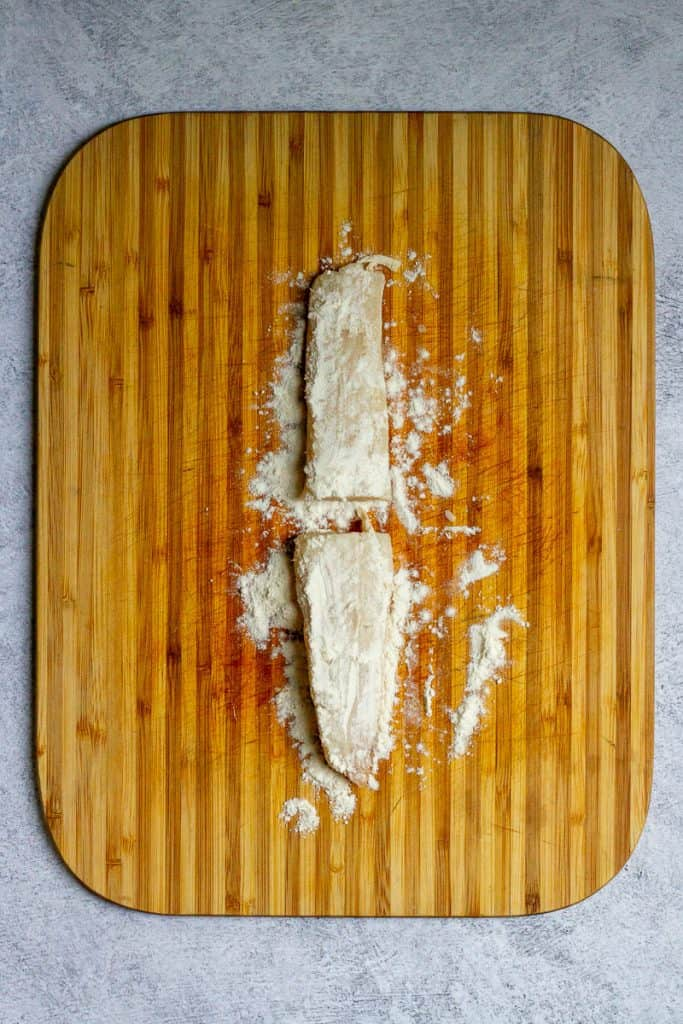Dust Fish with Flour