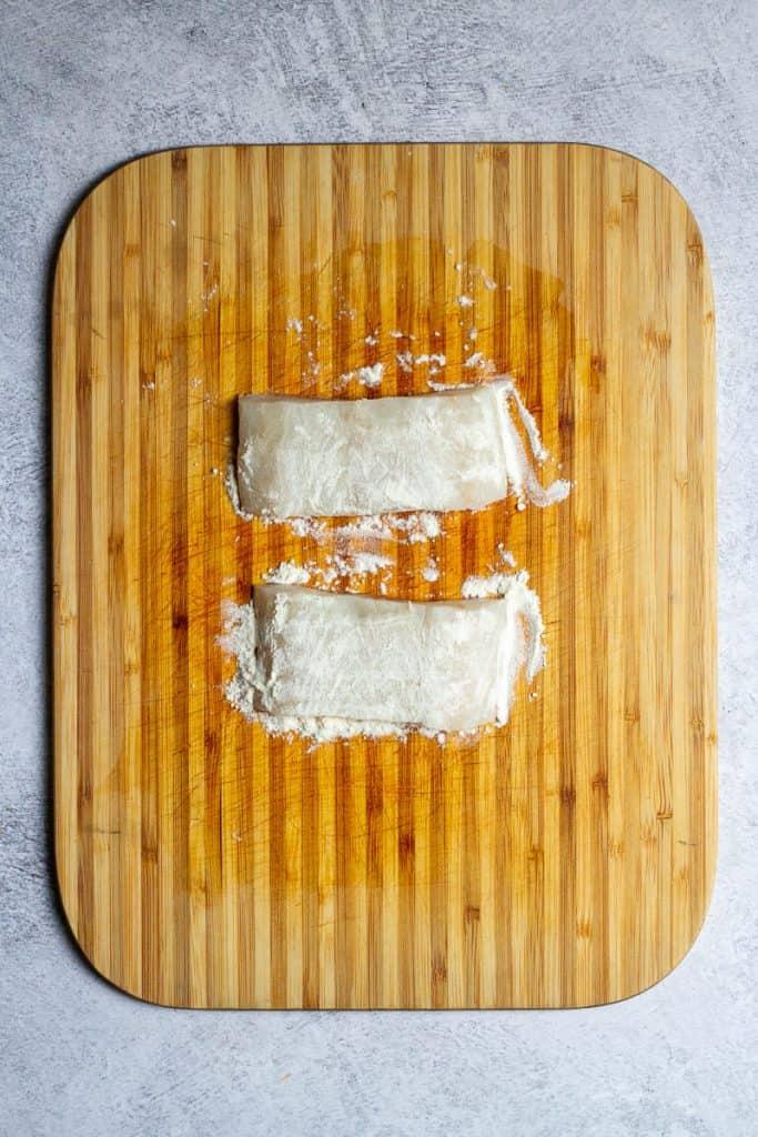 Dust Fish with Flour.