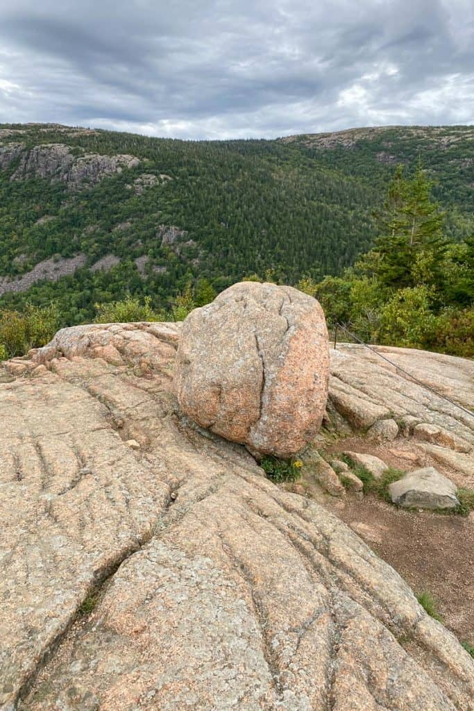 Small boulder on South Bubble Mountain