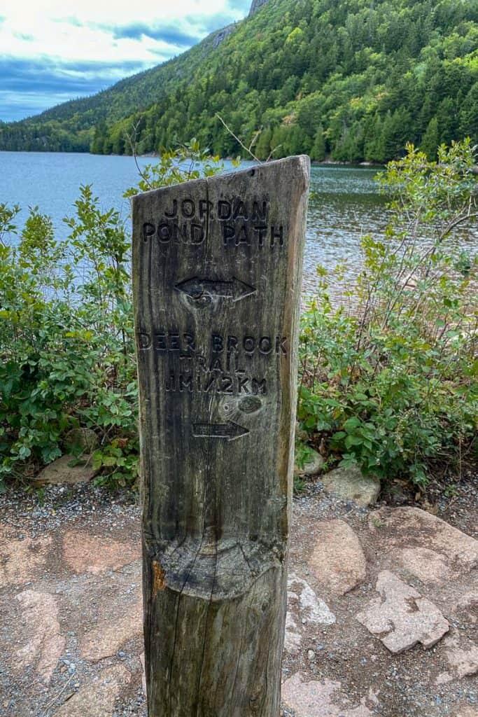 Trail Marker at Jordan's Pond.