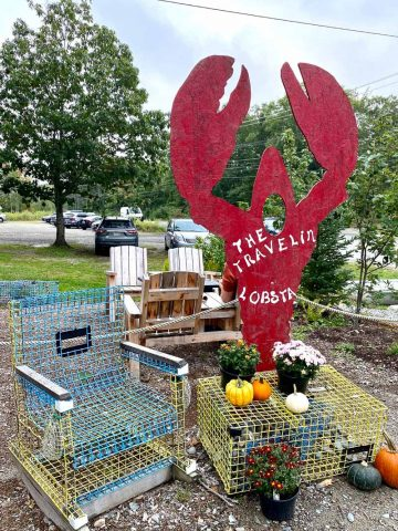 The Travelin Lobster Sign