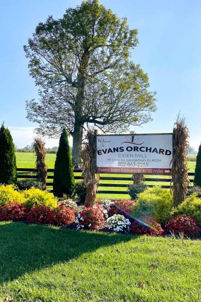 Evans Orchard sign